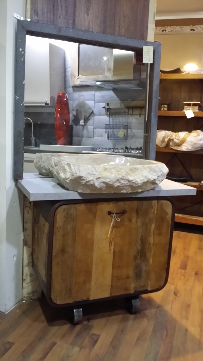 Bagno oval industrial con ruote in offerta pezzo unico for Ruote arredamento