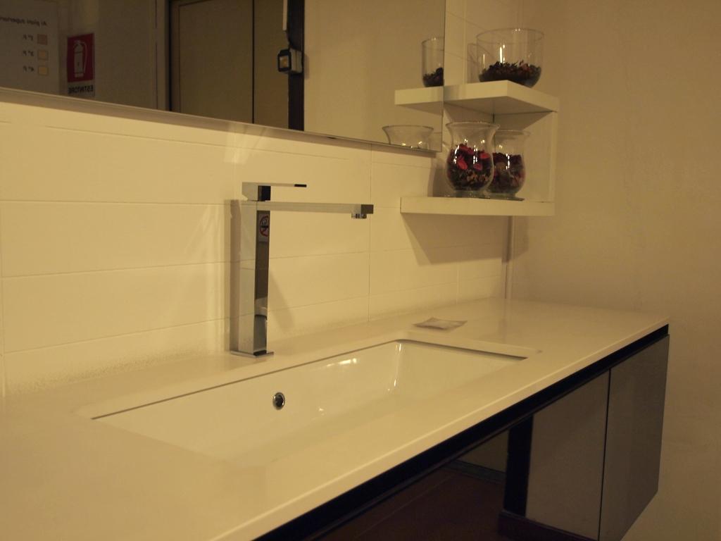 Accessori bagno milano 100 images accessori bagno for Arredo bagno a milano