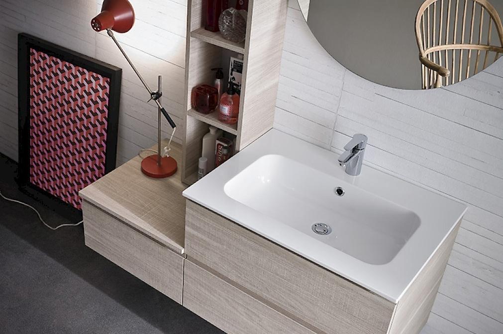 Bagno moderno sospeso compab nobilitato e marmo arredo - Piano lavandino bagno ...