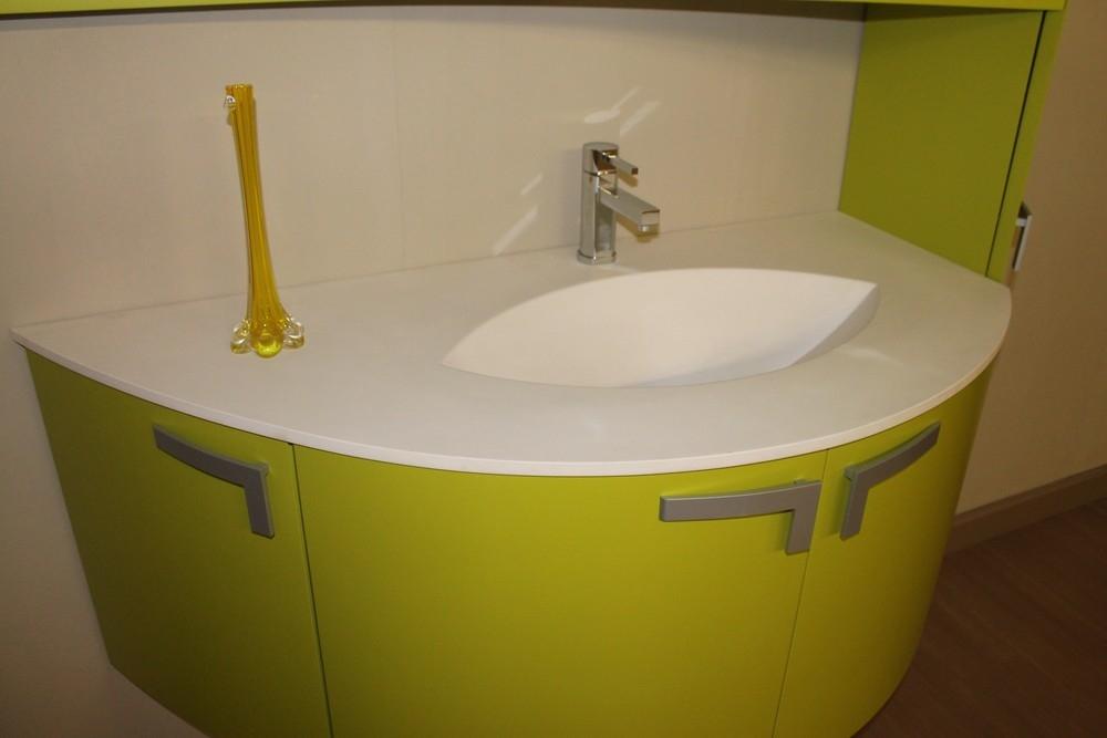 Cornici legno grezzo ispirazione interior design idee for Finestre rotonde del bagno