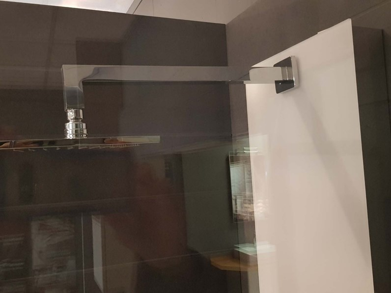 Colonna doccia azzurra bagni fly a parete a prezzo ribassato