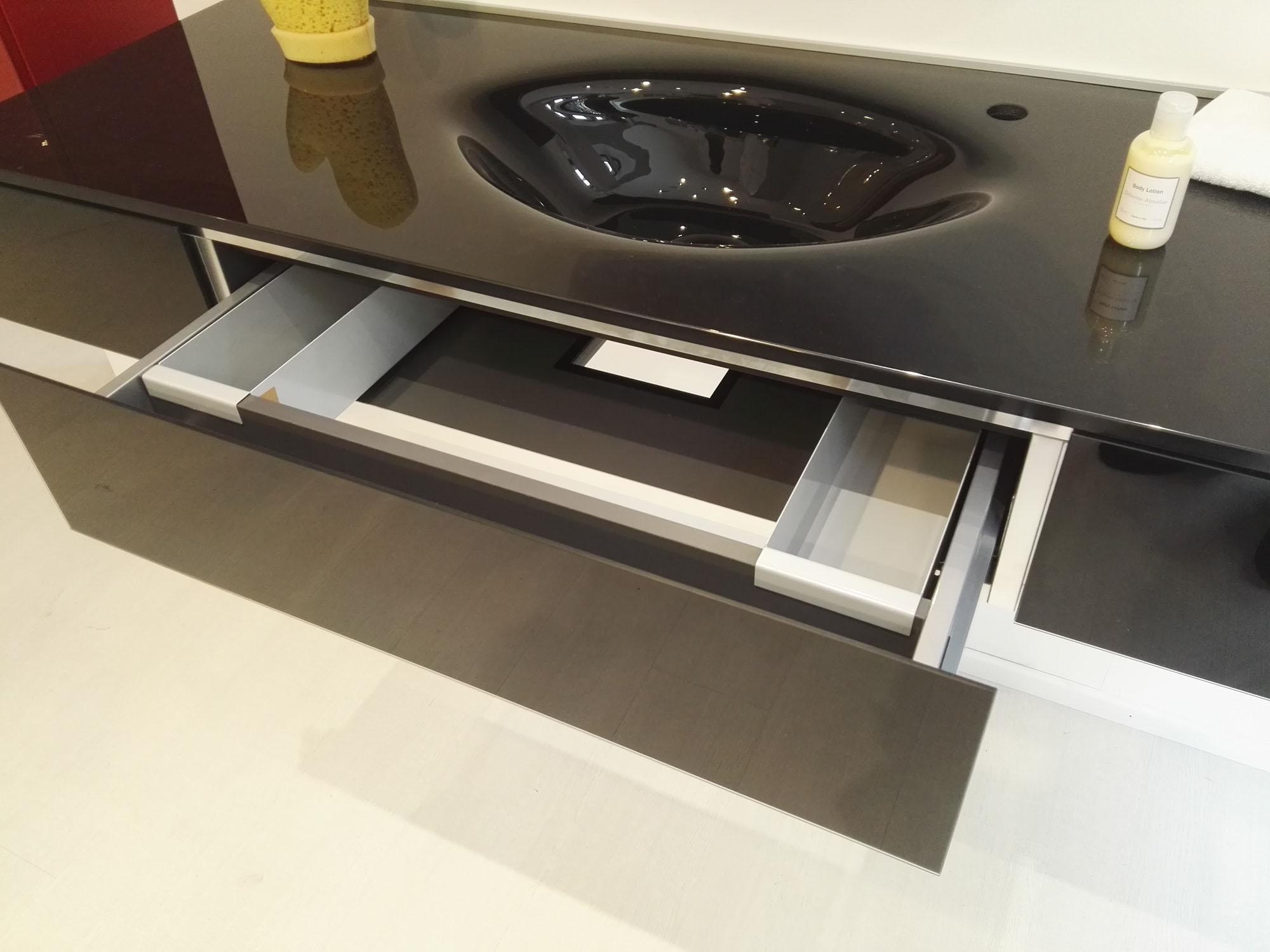 composizione mobile bagno lago con lavello e contenitore specchio