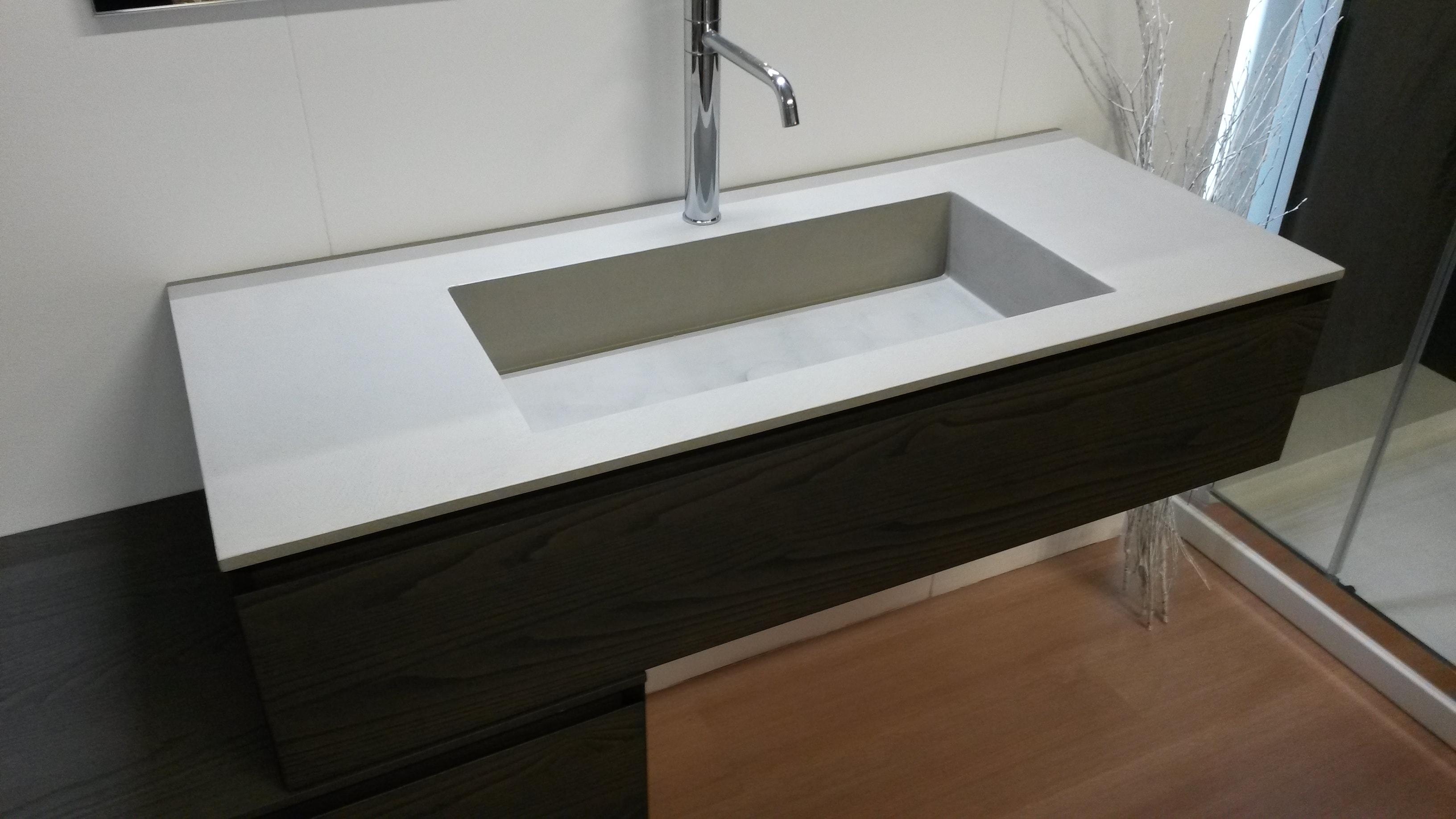 Ideagroup mobili bagno perfect mobile bagno componibile for Mobili design scontati