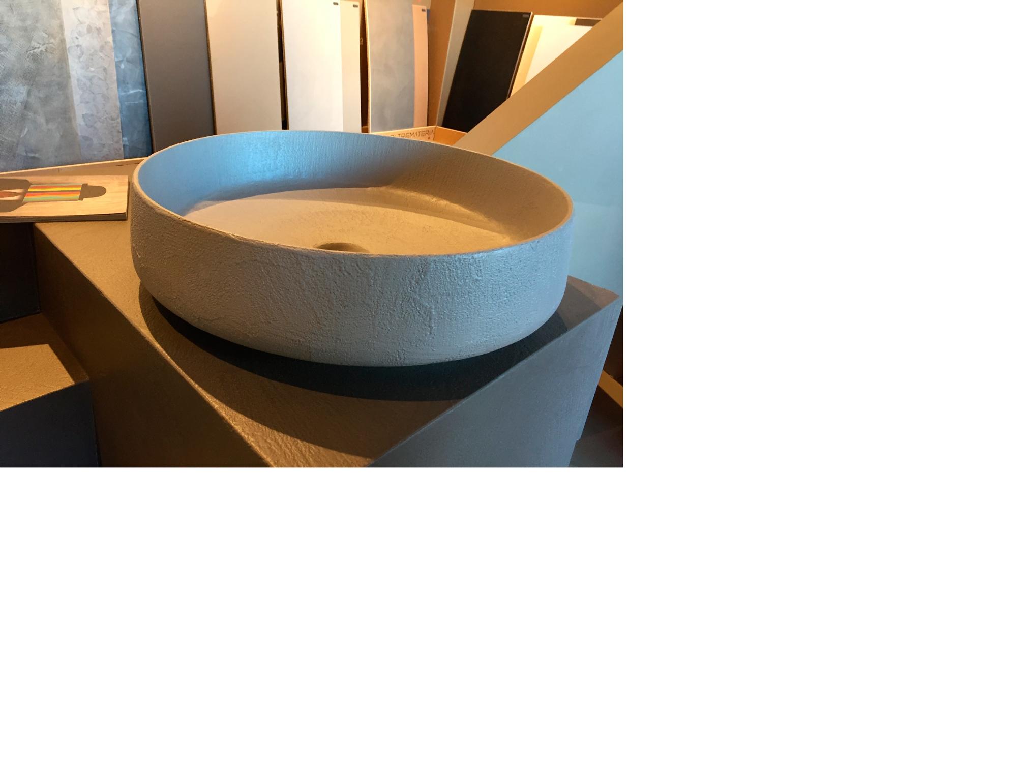 Lavabo in ceramica rivestito in ecomalta oltremateria - Bagno color tortora ...