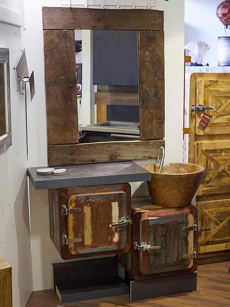 Mobile bagno 2 sportelli vintage ghiacciaia prezzo offerta for Prezzi lavabo bagno con mobile