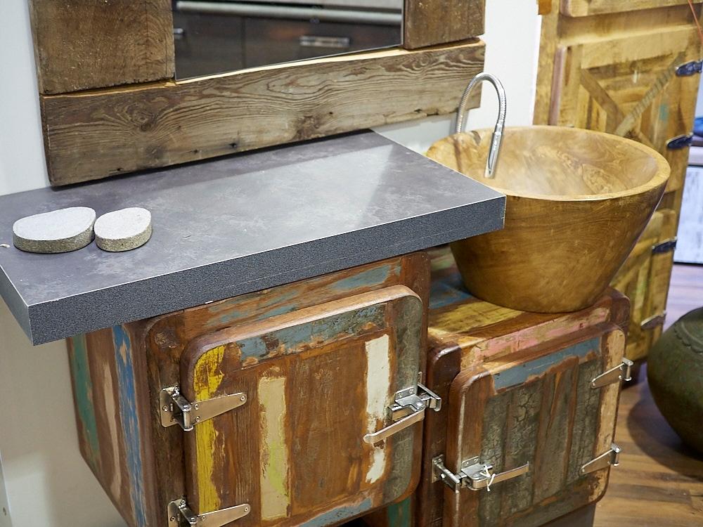 Mobile bagno 2 sportelli vintage ghiacciaia prezzo offerta - Mobile bagno legno grezzo ...