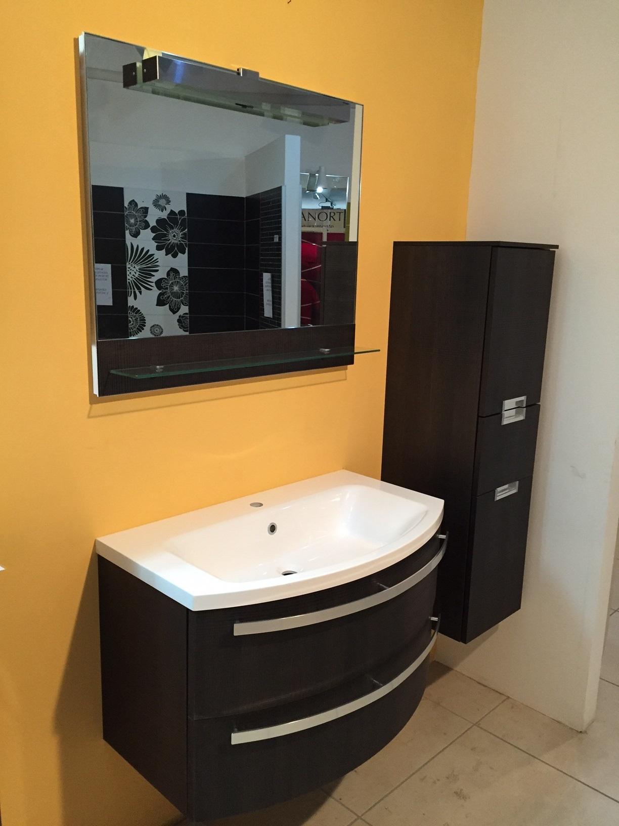Mobili da bagno ad angolo stunning angoliera mobile ad angolo anta with mobili da bagno ad - Mobili da bagno angolari ...