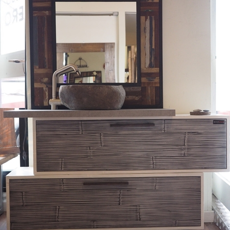 Mobile bagno in legno e crash bambu con specchiio in legno - Arredo bagno in pietra ...