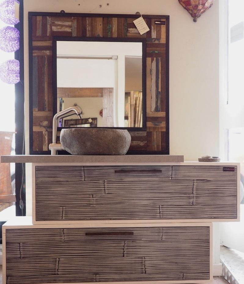 mobile bagno in legno e crash bambu con specchiio in legno e ferro lavabo in pietra indiana ...