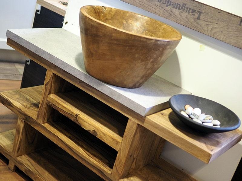 mobile bagno in legno etnico iroko con lavabo in radice di sessham ...