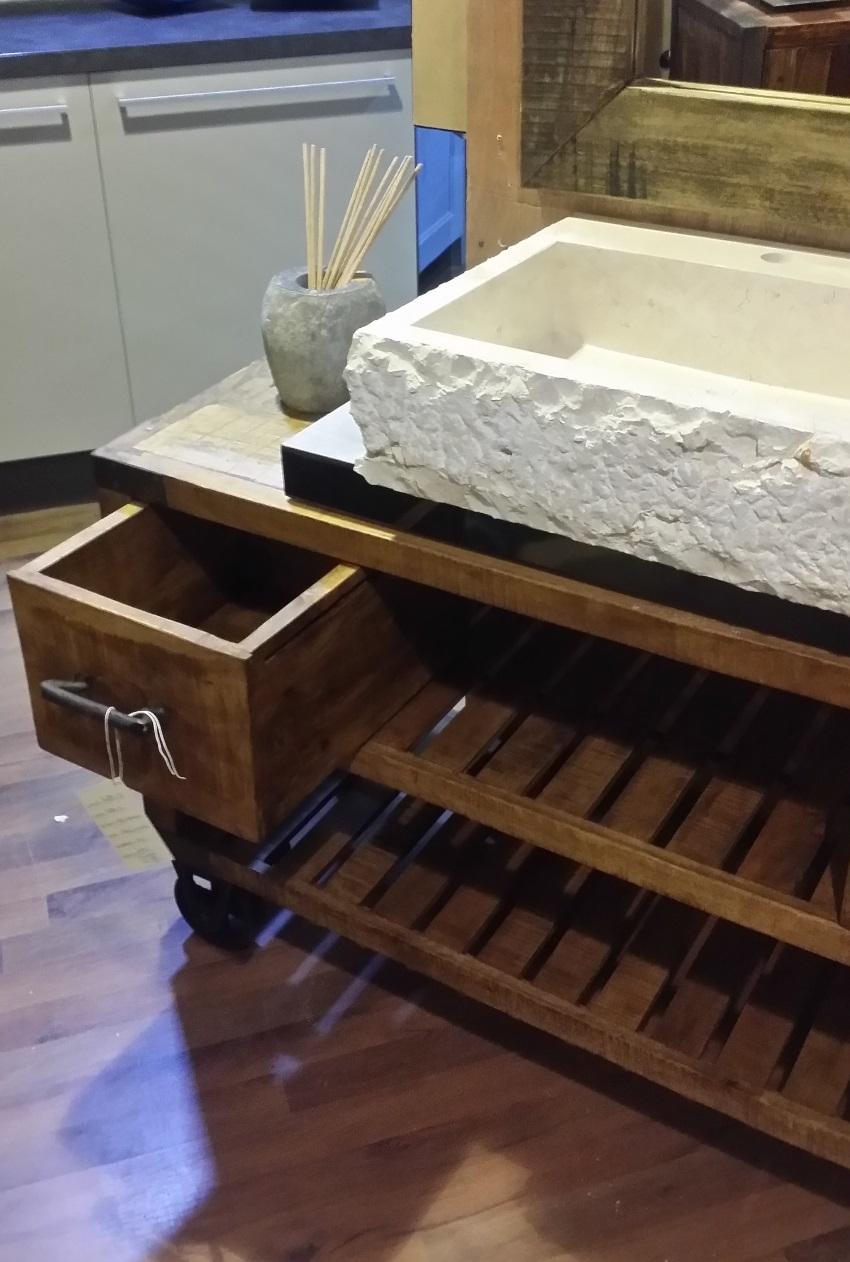 Mobile bagno recicle industrial con ruote iron india - Mobile bagno ferro battuto ...