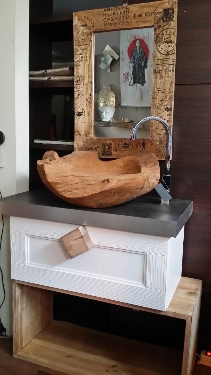 Mobile bagno vintage zen in legno white essential etnico for Mobili firmati scontati