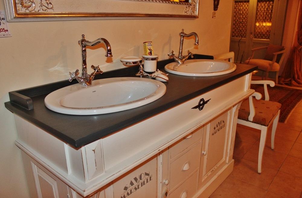 Mobile da bagno con doppio lavabo dialma brown in offerta for Lavabo bagno prezzi