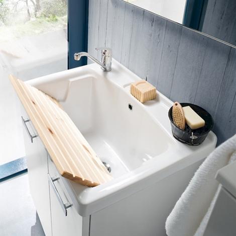 Mobile lavanderia con lavabo specchiera faretto sconto 35 - Specchiera bagno prezzi ...