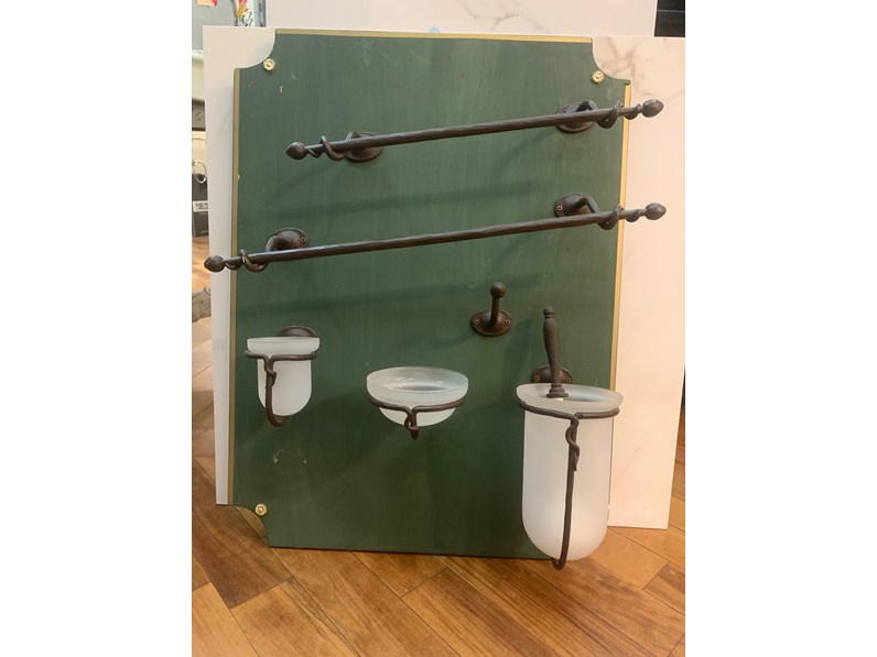 Mobile per il bagno artigianale set accessori bagno in ferro battuto a prezzi outlet - Mobile bagno ferro battuto ...