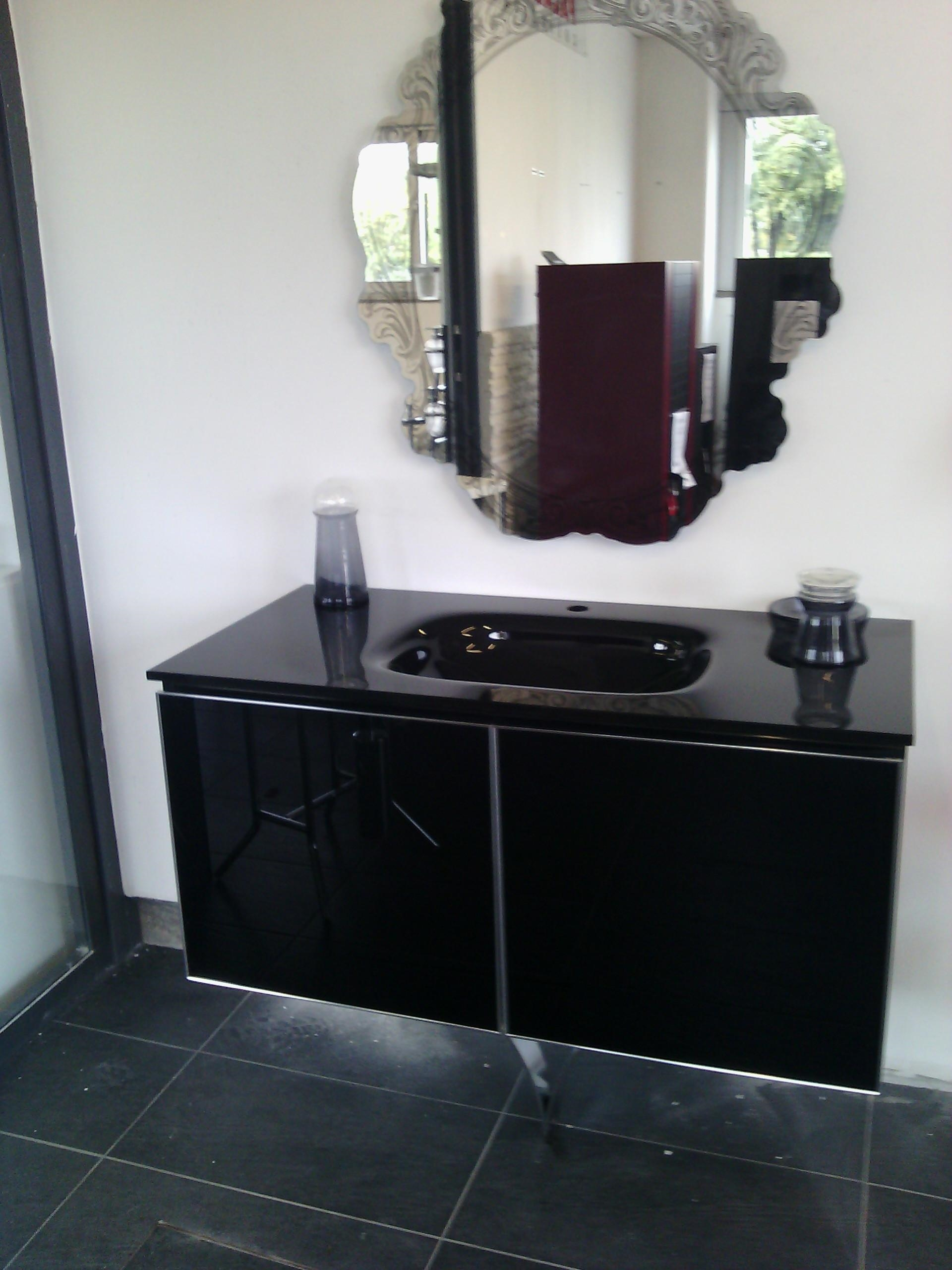 Offerta mobile da bagno onix nero lucido con top in vetro - Mobile bagno nero lucido ...