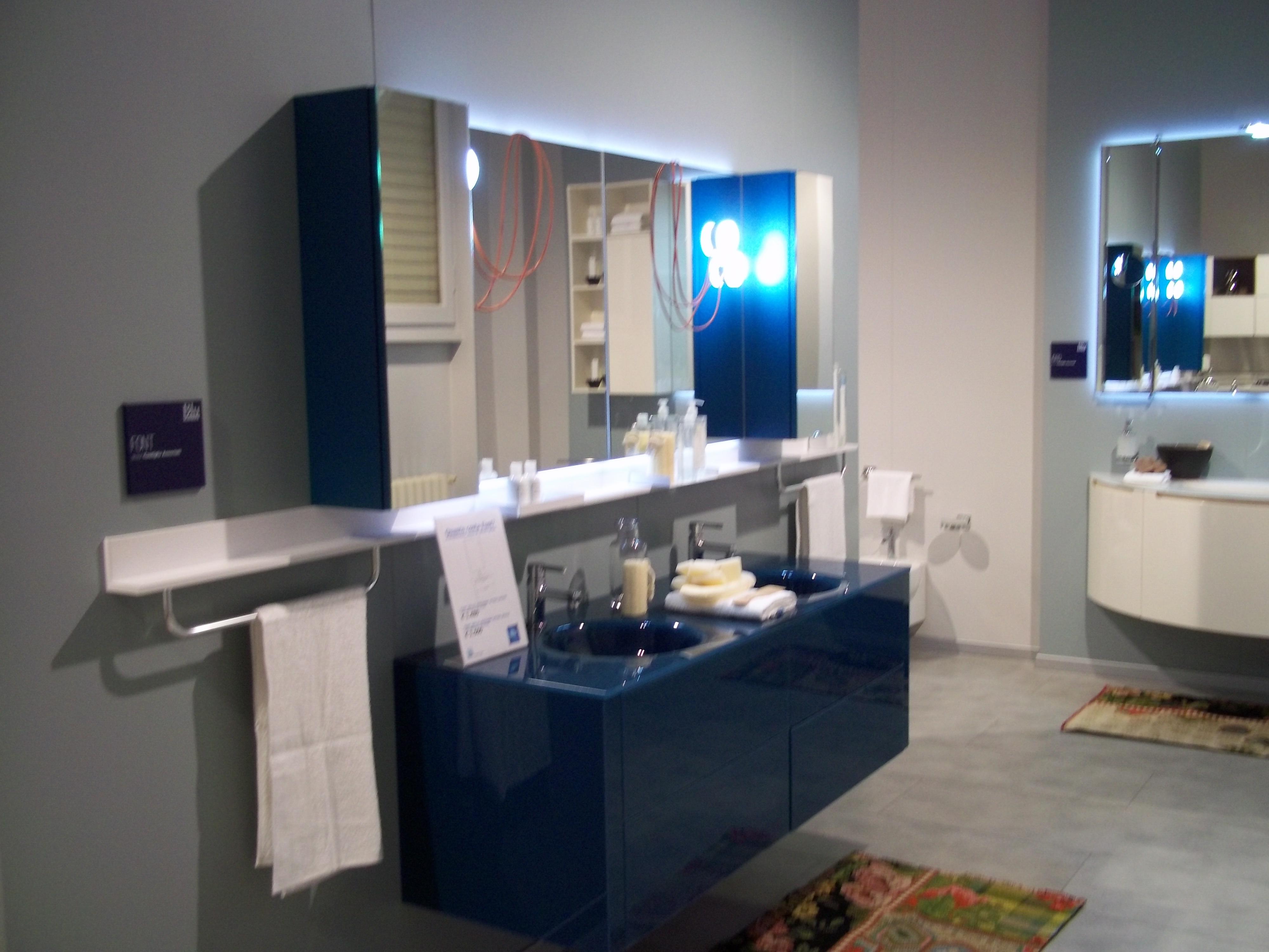 Offerta scavolini font vetro arredo bagno a prezzi scontati - Mobile bagno blu ...