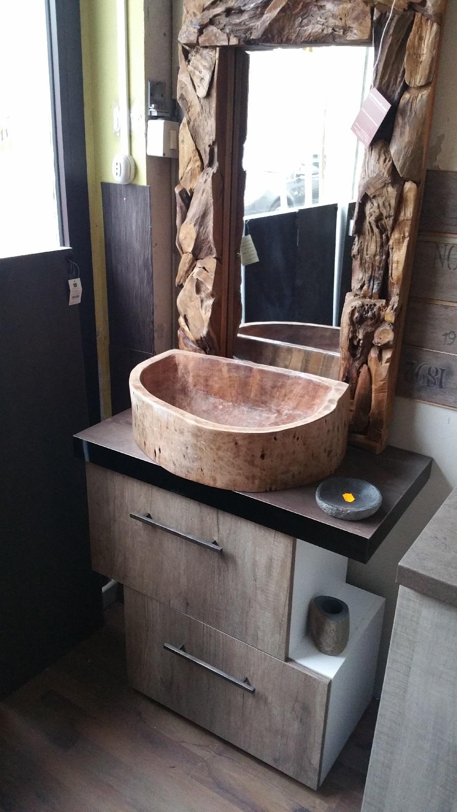 Outlet etnico mobile bagno due ante colore essenza rovere - Mobile bagno etnico ...