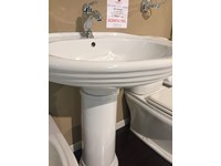 https://www.outletarredamento.it/img/arredo-bagno/serie-completa-sanitari-delta-ceramiche-navona-con-lavabo-gsi-tecla_mini2_198345.jpg