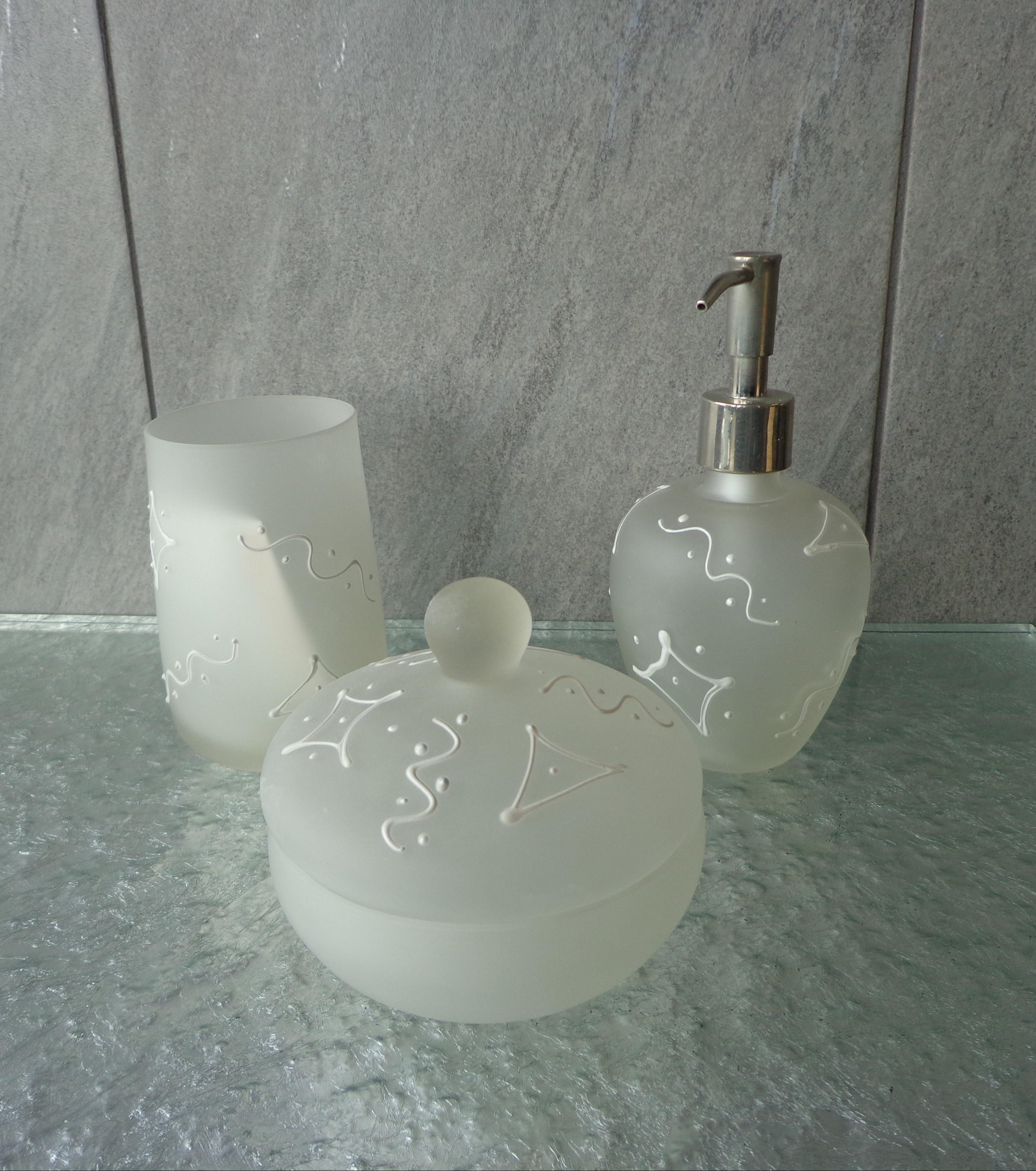 Set da bagno graffiti arredo bagno a prezzi scontati for Set arredo bagno