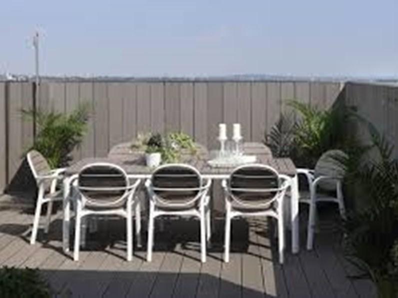 Alloro tavolo con palma nardi interni tavolo da giardino for Arredo giardino on line outlet