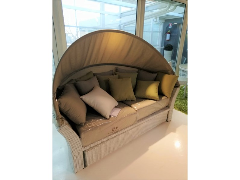 Divano giardino aquahome artigianale divano da giardino for Arredo da giardino in offerta