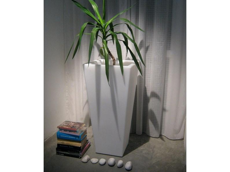 giardino slide vasi con luce slide design terrazzo piscina