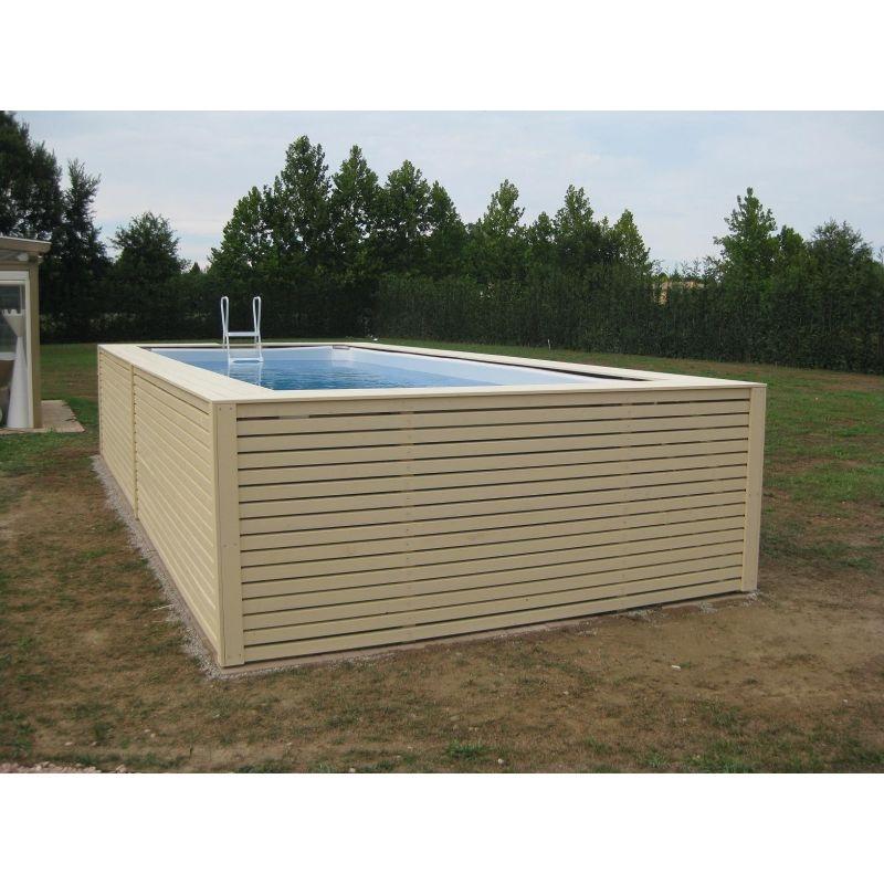 Piscina fuori terra su misura con rivestimento in legno for Arredo piscina