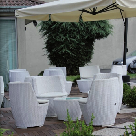 Sedie e tavolino arredo giardino a prezzi scontati for Varaschin arredo giardino