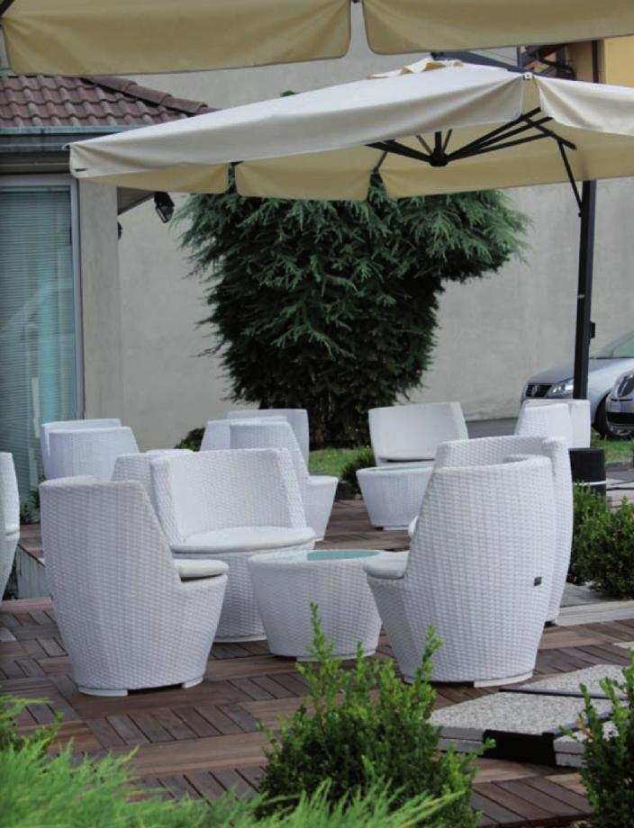 Sedie e tavolino arredo giardino a prezzi scontati for Arredo giardino prezzi