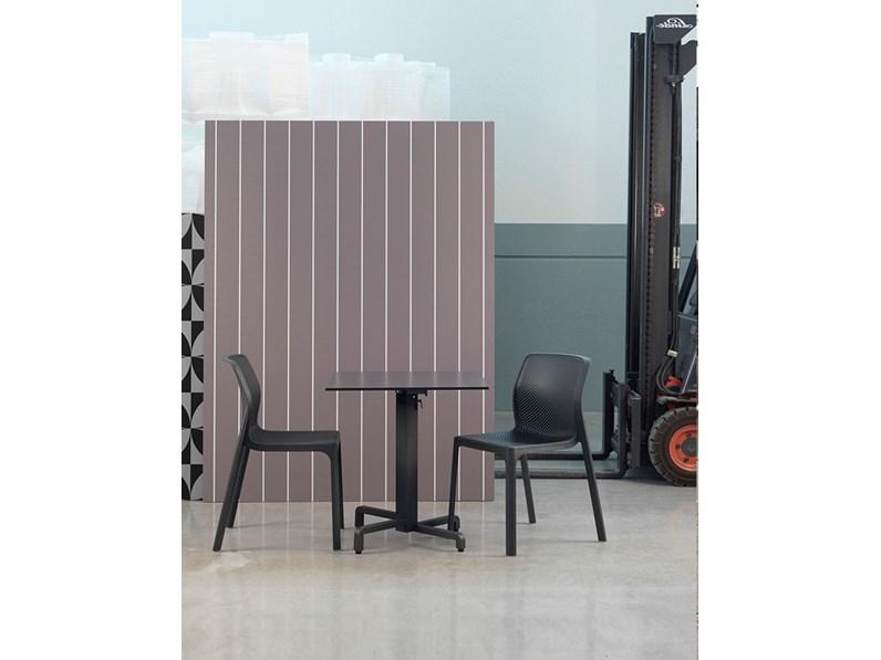 Tavolo da giardino nardi outdoor 70x70 piano laminato con for Arredo da giardino prezzi