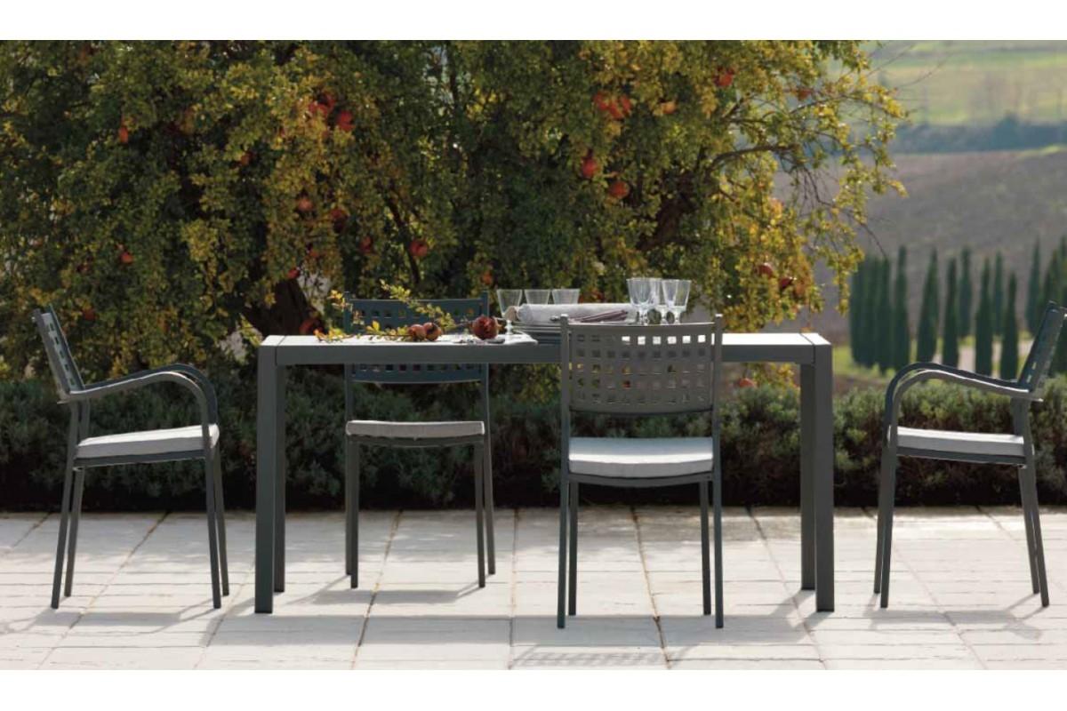 Tavolo quatris 6 sedie mogan arredo giardino a prezzi for Tavolo sedie giardino prezzi