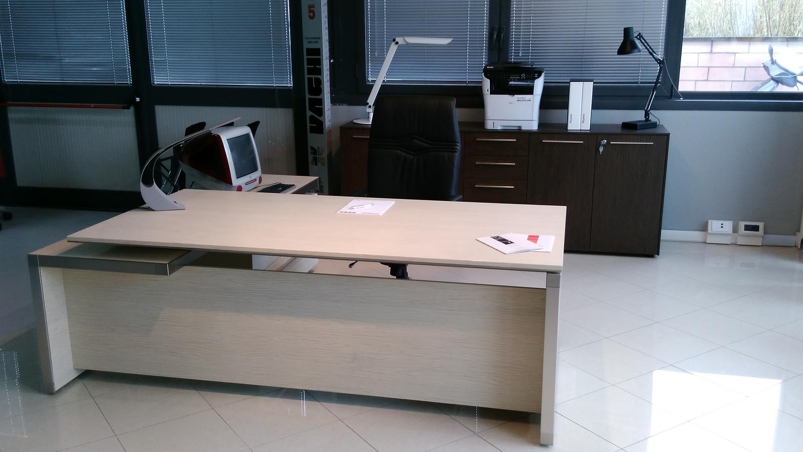 Las mobili per ufficio eos scrivanie legno arredo - Tasselli in legno per mobili ...