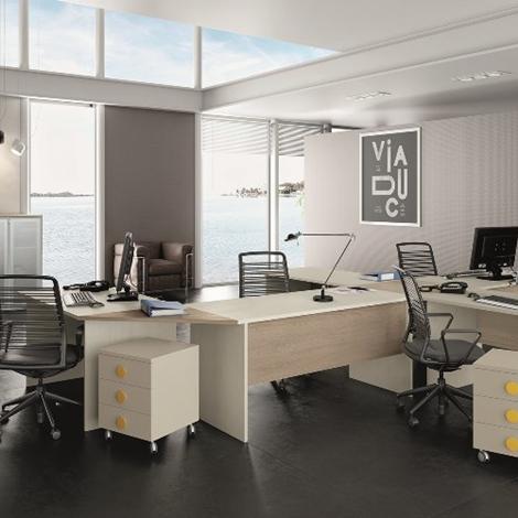 Arredamento per ufficio scrivanie angolari e mobili for Scrivanie ufficio vetro prezzi