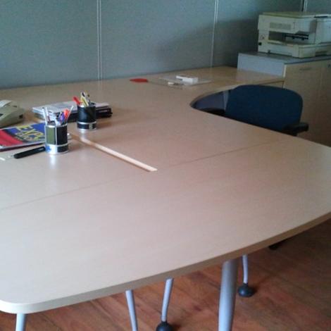 Las mobili per ufficio scrivanie las scontato del 82 for Arredo ufficio scrivanie