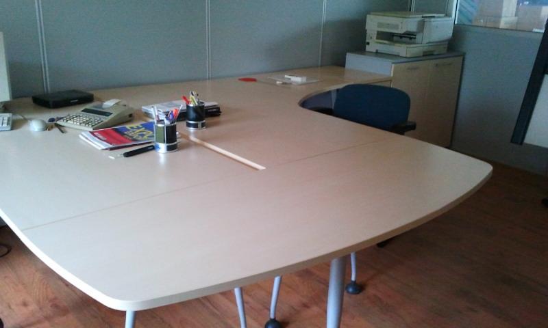 Las mobili per ufficio scrivanie las scontato del 82 for Scrivanie operative per ufficio prezzi
