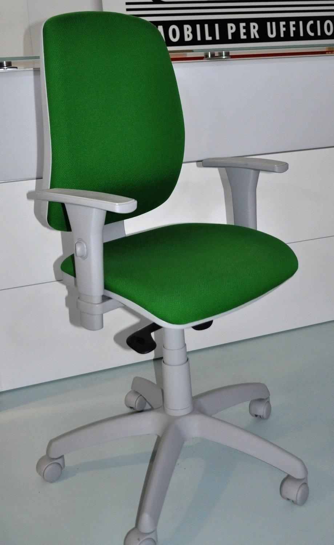 Sedia operativa galaxy green arredo ufficio a prezzi for Sedute per ufficio prezzi