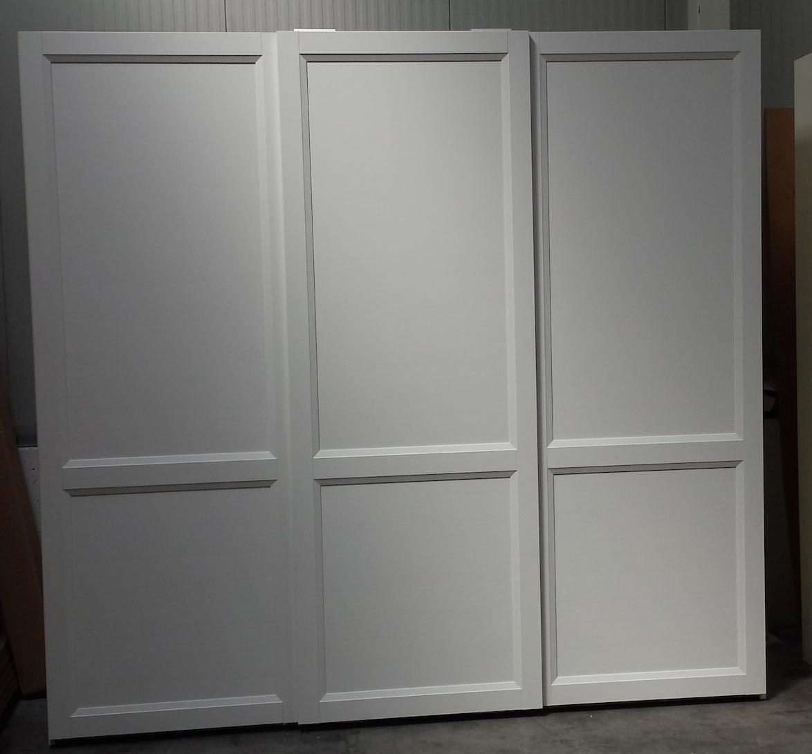 Awesome armadi scorrevole bianco frassino laccato camere a for Arredamento stile inglese bianco