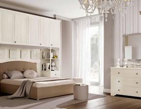 Camera in olmo bianca con letto matrimoniale con il contenitore