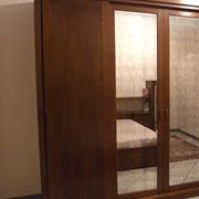 Camera completa scontata in Arte Povera di legno massello completa. Armadio scorrevole con ante legno e a specchio anticato. Vendita per rinnovo esposizione