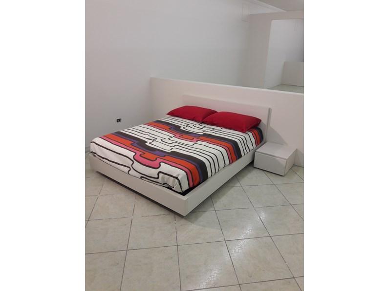 Camera da letto moderna in laminato corda venato a prezzo scontato