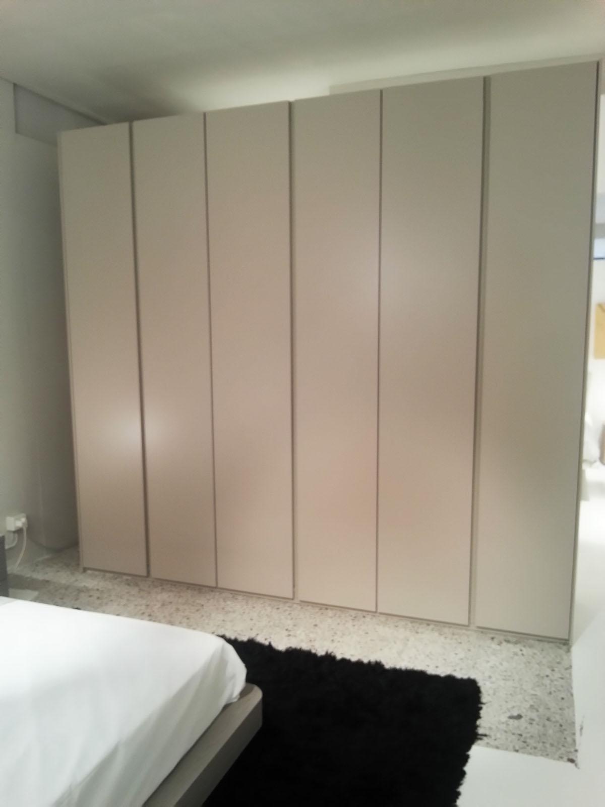 Camera completa con armadio 6 ante laccato comò comodini onda ...