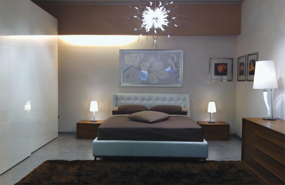 venduto camera da letto completa di letto in pelle con rete alzabile ...