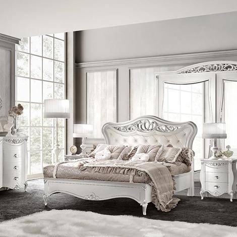 Camera da letto classica signorini coco camere a for Camere da letto in legno prezzi
