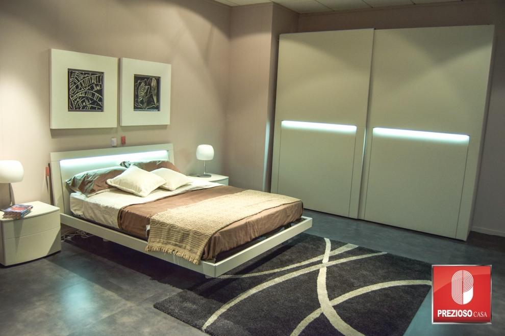 Camera da letto tomasella ambiente 363 la notte scontata del 60 camere a prezzi scontati - Camera da letto del papa ...