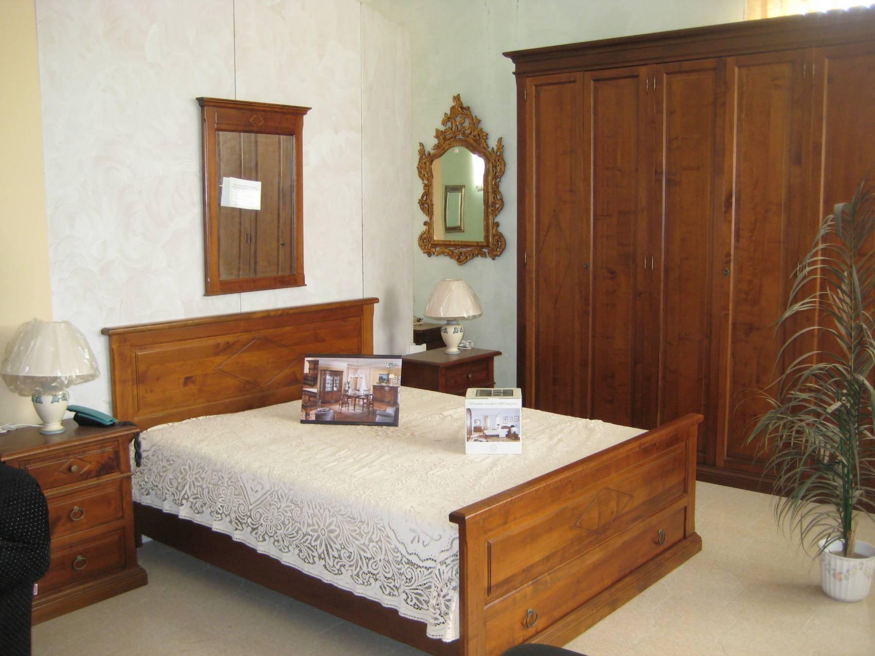 Armadio camera da letto arte povera design casa creativa for Camera letto mobili