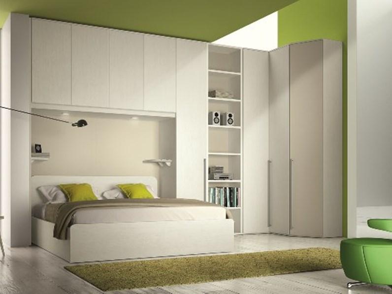 Camera matrimoniale con armadio a ponte e cabina armadio angolare - Camere da letto con cabina armadio angolare ...