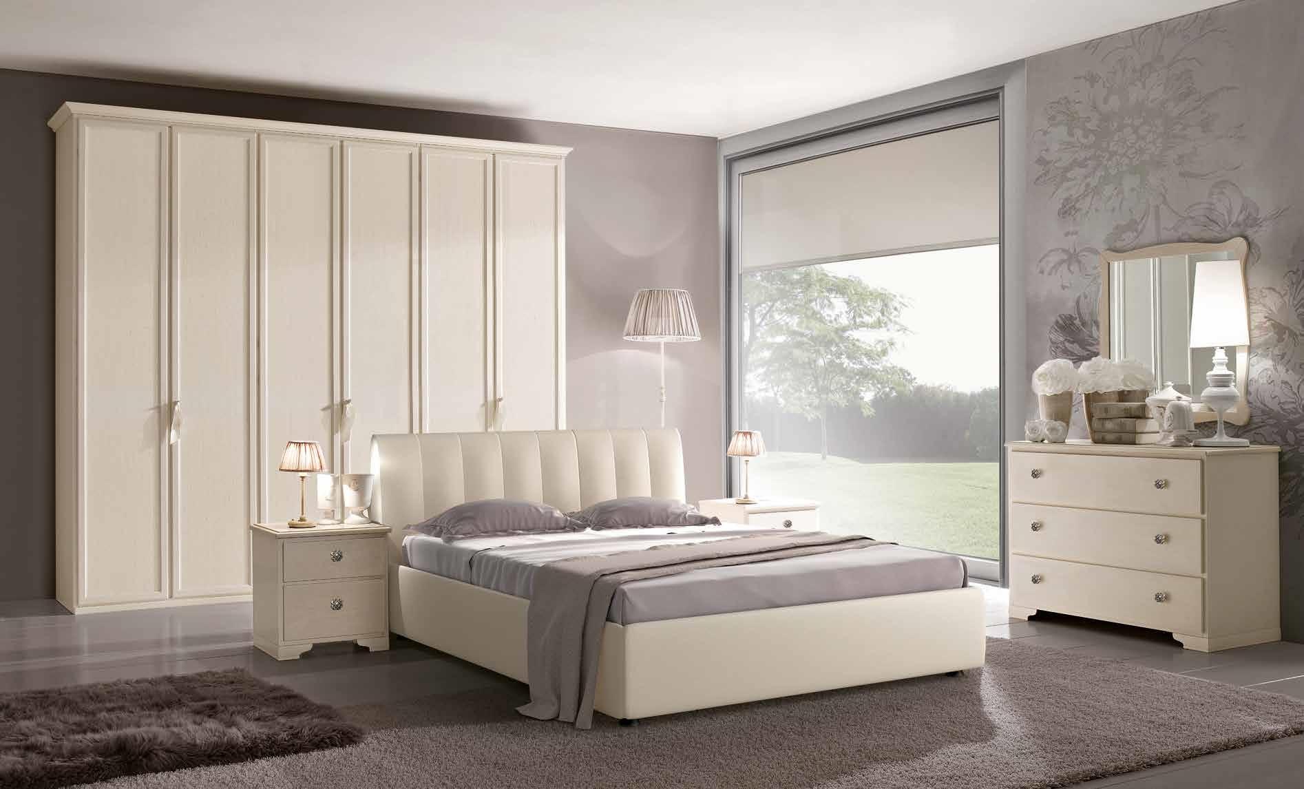 Camera matrimoniale in stile provenzale laccata bianca for Letto stile arti e mestieri
