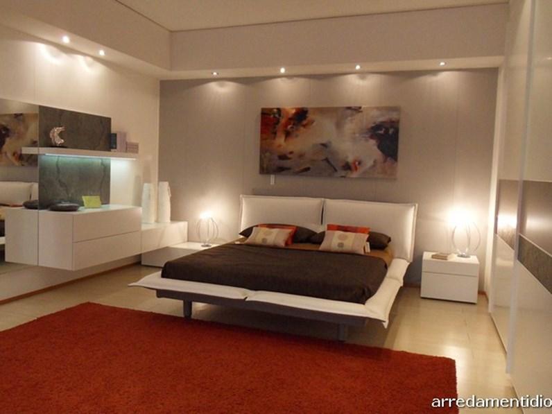Camera matrimoniale stripe in prezzo affare for Diotti arredamenti prezzi