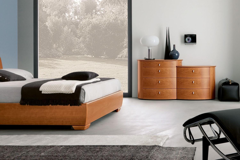 Camera napol cemi moderno legno com e comodini camere a for Mobili moderni camera da letto
